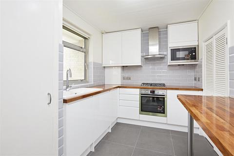 3 bedroom maisonette to rent - Lainson Street, London SW18