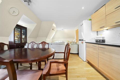 2 bedroom apartment to rent - Station Road, New Barnet, Barnet