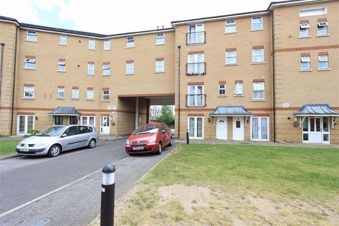 1 bedroom flat for sale - Saunders Close, Seven Kings, Essex, IG1