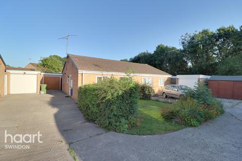 2 bedroom semi-detached bungalow for sale - Symonds, Swindon