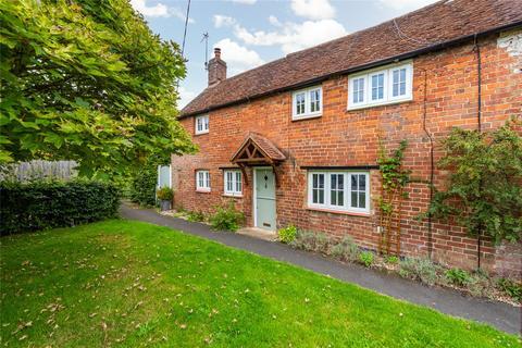 3 bedroom semi-detached house for sale - Hardwick, Aylesbury, Buckinghamshire, HP22