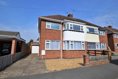 3 bedroom semi-detached house for sale - Mere Road, Wigston, LE18 3RL