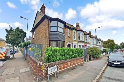 4 bedroom end of terrace house for sale - Chaucer Road, Wanstead