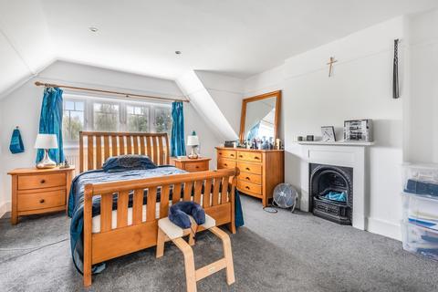 2 bedroom flat to rent - West Park London SE9