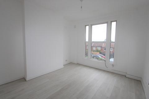 3 bedroom maisonette to rent - Mount Villas, West Norwood, SE27