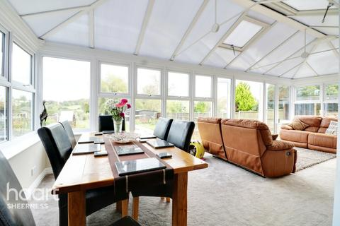 4 bedroom chalet for sale - Oak Lane, Sheerness