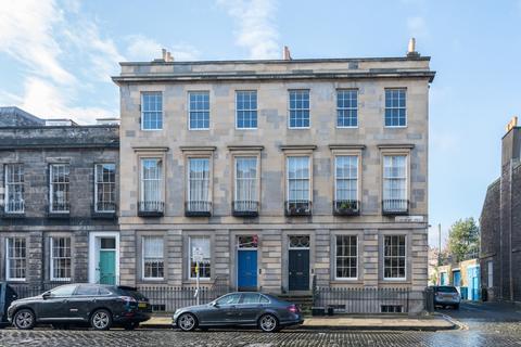 2 bedroom flat to rent - East Claremont Street, New Town, Edinburgh, EH7