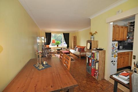 2 bedroom ground floor maisonette to rent - Caterham