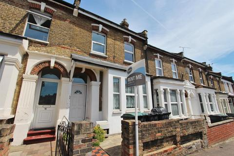 4 bedroom terraced house to rent - St. Albans Cres, Wood Green, N22