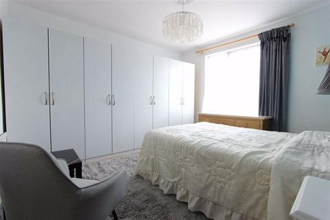 1 bedroom in a house share to rent - Cambridge Gardens, Winchmore Hill, London