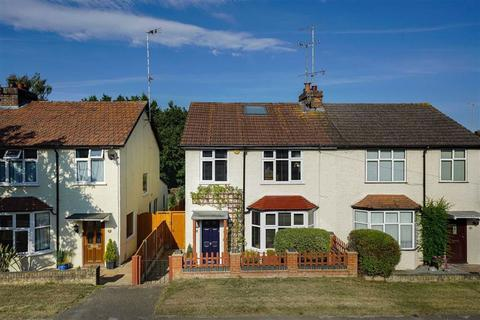 4 bedroom semi-detached house for sale - Cross Way, Harpenden, Hertfordshire