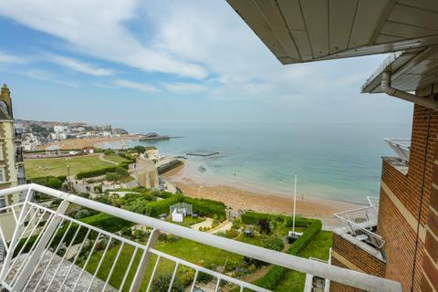 3 bedroom house for sale - West Cliff Road, Broadstairs