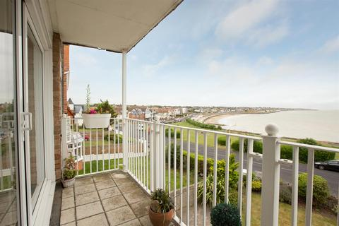 2 bedroom flat for sale - Rowena Road, Westgate-On-Sea
