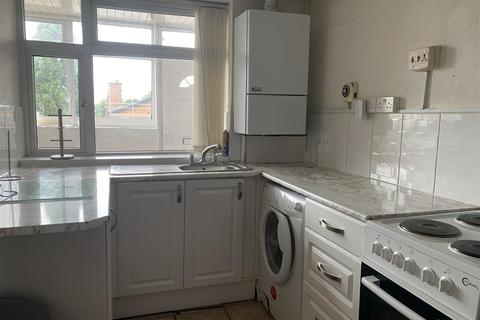 2 bedroom apartment to rent - Queens Road, Rushall, Walsall