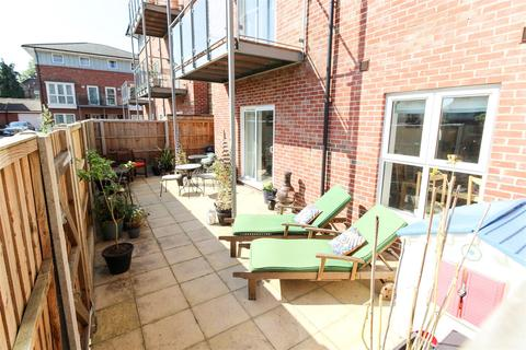 2 bedroom apartment for sale - Andrews Close, Warwick