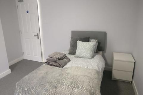 6 bedroom house share to rent - Colney Road