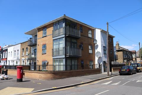 2 bedroom flat to rent - Zurich House, 6 Hatfield Road, London, E15