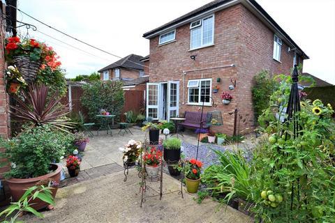 3 bedroom semi-detached house for sale - Alma Road, Hatherley , Cheltenham, GL51 3LZ