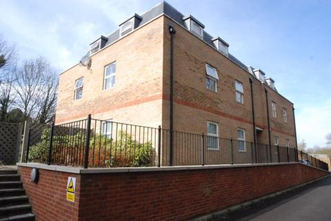 2 bedroom apartment to rent - Summer Road, Thames Ditton, Surrey