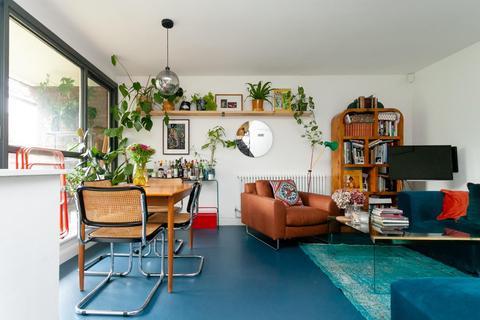 1 bedroom flat for sale - Chisenhale Road, London