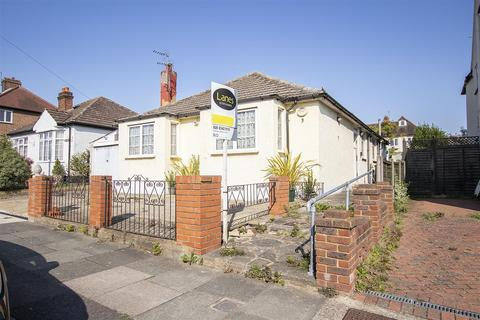 3 bedroom detached house for sale - Brodie Road, Enfield