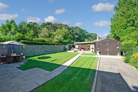 3 bedroom bungalow for sale - Coneyhurst Road, Coneyhurst, Billingshurst, West Sussex