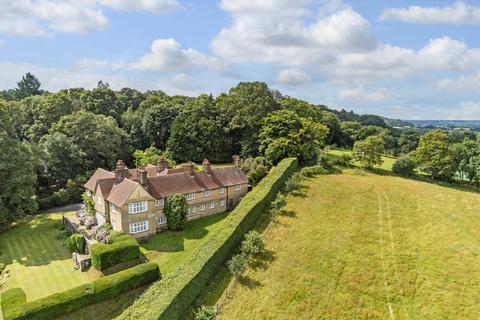 Farm for sale - The Chilworth Hill Estate, Nr Guildford, Surrey, GU4