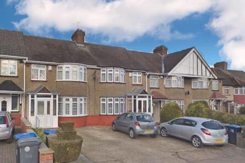 3 bedroom terraced house for sale - Chippenham Avenue, Wembley, HA9