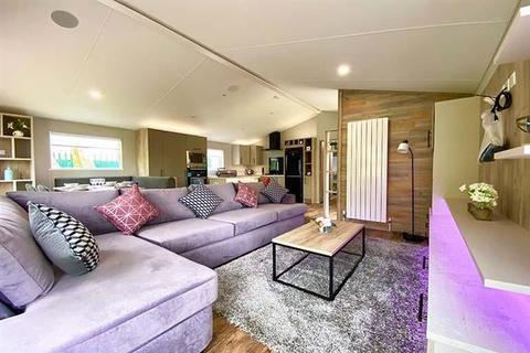 3 bedroom lodge for sale - Sandy Balls Holiday Village, Hampshire