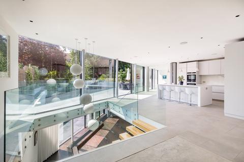 6 bedroom terraced house for sale - Chartfield Avenue, London, SW15