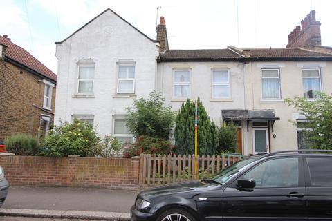 2 bedroom terraced house to rent - Tilson Road, London, N17