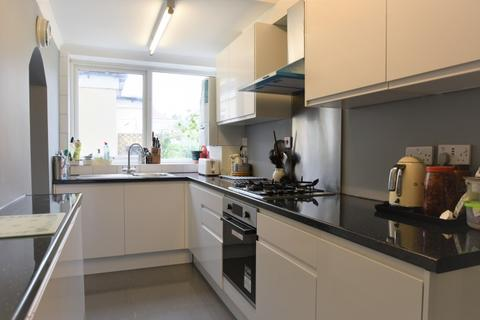 5 bedroom semi-detached house to rent - Maidstone Road Sidcup DA14