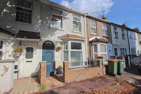 2 bedroom terraced house for sale - Gloucester Road, Manor Park, London E12