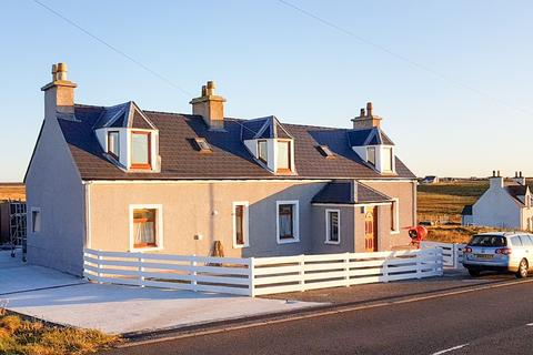 5 bedroom detached house for sale - 48 HABOST, NESS, ISLE OF LEWIS HS2