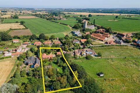 4 bedroom detached bungalow for sale - Greenways, Hindringham