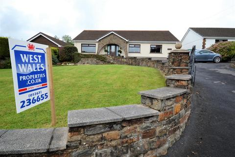 4 bedroom detached bungalow for sale - Heol Y Meinciau, Pontyates, Llanelli