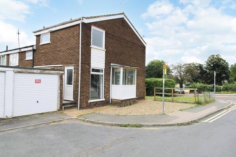 3 bedroom end of terrace house to rent - Station Road, Rainham, Gillingham