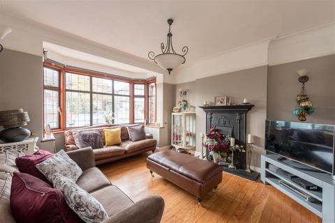 6 bedroom semi-detached house for sale - Lakenheath, Southgate, N14