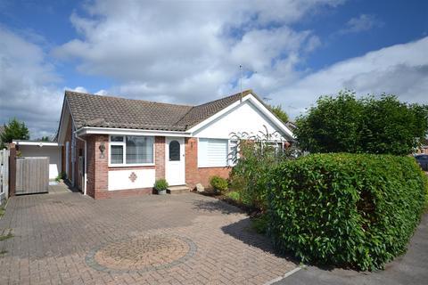 2 bedroom semi-detached bungalow for sale - Heathfield Way, West Moors, Ferndown