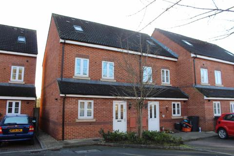 3 bedroom end of terrace house to rent - Pavilion Close, Swindon
