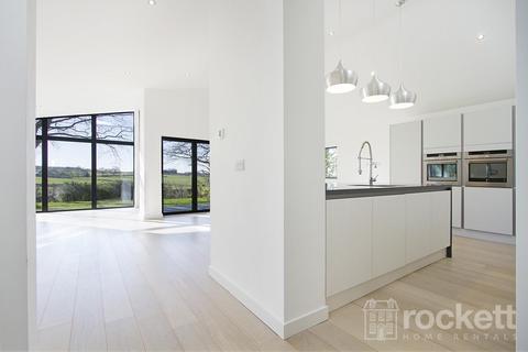 3 bedroom detached bungalow to rent - Manor Road, Newcastle Under Lyme