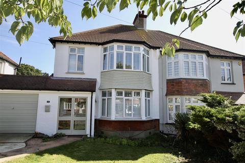 3 bedroom semi-detached house to rent - Wellstead Gardens, Westcliff-On-Sea