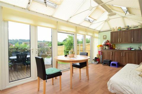 2 bedroom detached bungalow for sale - Hollingbury Gardens, Worthing, West Sussex