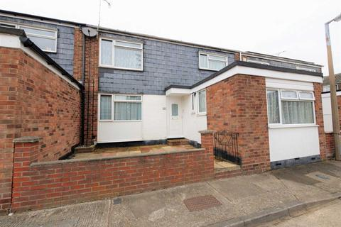 5 bedroom terraced house for sale - *Investment Opportunity *Imogen Close, Colchester
