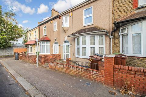 3 bedroom terraced house for sale - Norfolk Road, Barking IG11