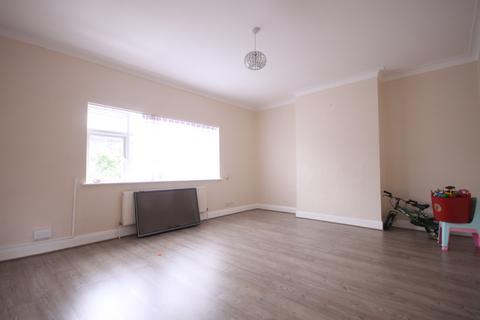 2 bedroom maisonette to rent - Hertford Road, Enfield, Greater London, EN3