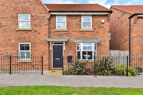 3 bedroom semi-detached house for sale - Lawrance Avenue, Anlaby, Hull, HU10