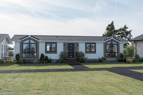 2 bedroom park home for sale - Residential Park Home For Sale In Essex