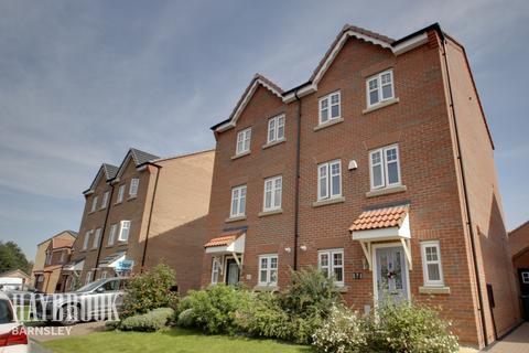 4 bedroom semi-detached house for sale - Hawthorne Avenue, Lundwood