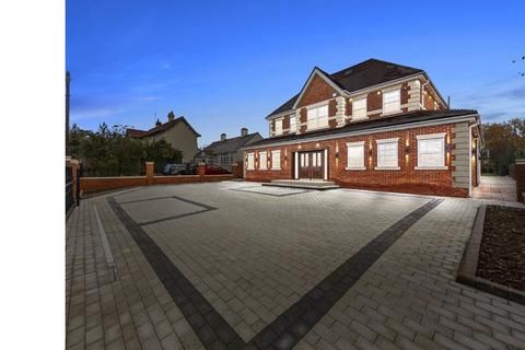 5 bedroom detached house to rent - Hornchurch Emerson Park RM11 3JE